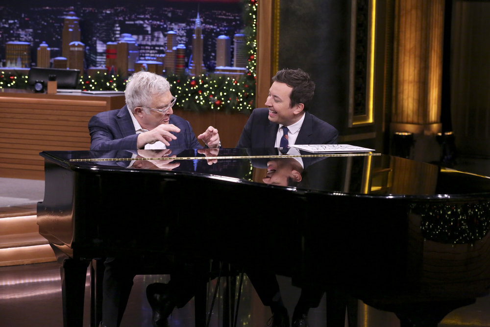Anna Kendrick, Darlene Love perform 'Christmas' on 'Tonight Show'