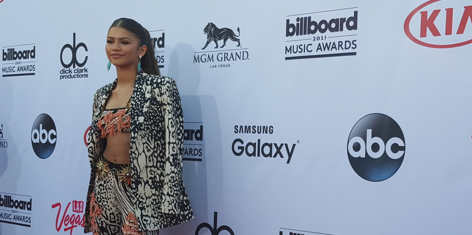 Special Look Zendaya Charlie Puth Walk The Bbma Red Carpet