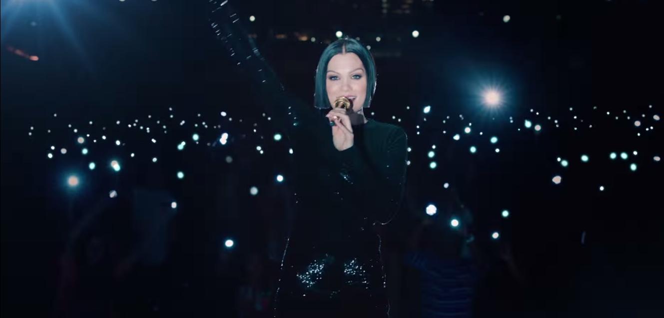 Jessie J Flashlight - Headline Planet