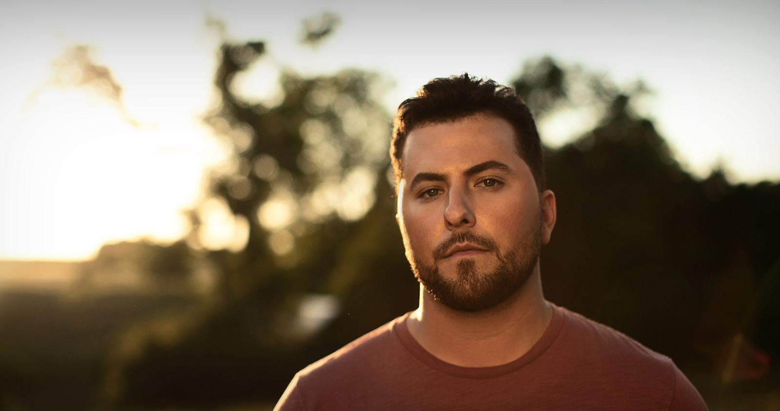 Tyler Farr S Quot A Guy Walks Into A Bar Quot Officially Claims 1 At Country Radio