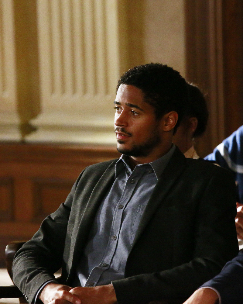 """HOW TO GET AWAY WITH MURDER - """"Always Bet Black"""" - Annalise presents her class with a high-profile murder case that pushes even the Keating 5's morals, while Laurel makes a shocking discovery through an unlikely source, on """"How to Get Away with Murder,"""" THURSDAY, OCTOBER 6 (10:00-11:00 p.m. EDT), on the ABC Television Network. (ABC/Mitch Haaseth) ALFRED ENOCH"""
