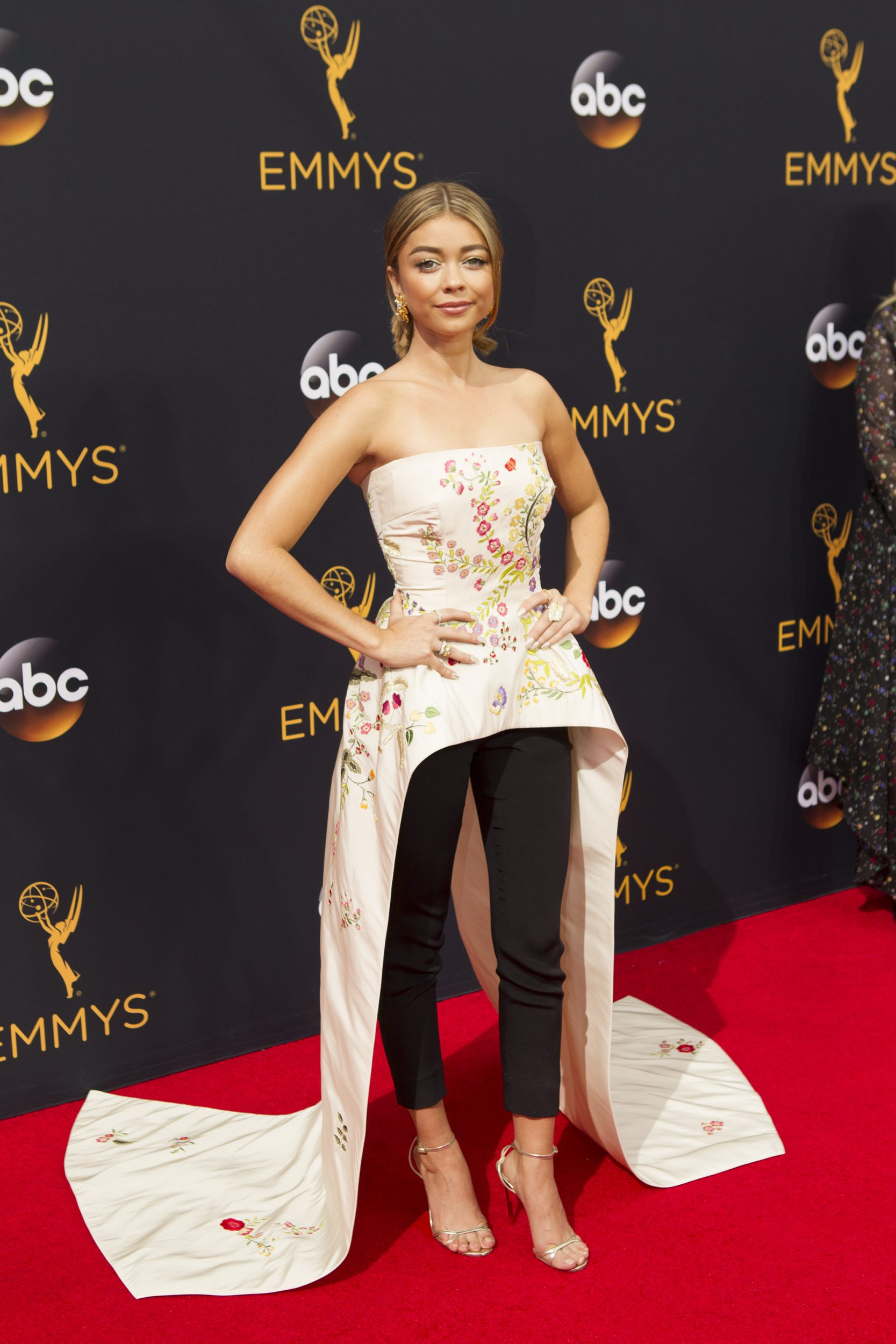 """THE 68TH EMMY(r) AWARDS - """"The 68th Emmy Awards"""" broadcasts live from The Microsoft Theater in Los Angeles, Sunday, September 18 (7:00-11:00 p.m. EDT/4:00-8:00 p.m. PDT), on ABC and is hosted by Jimmy Kimmel. (ABC/Rick Rowell) SARAH HYLAND"""