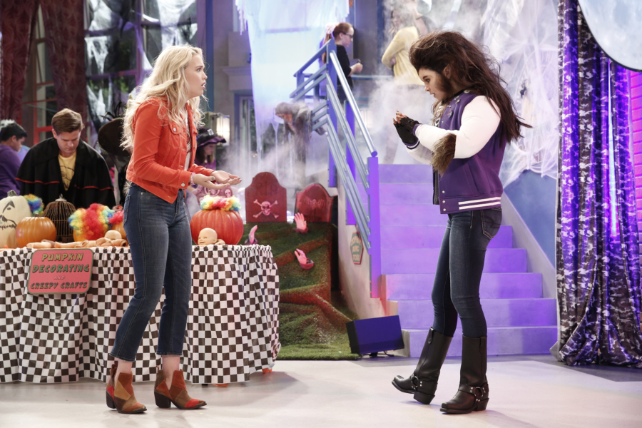 "BEST FRIENDS WHENEVER - ""Night of the Were-Diesel"" - When Cyd tries to protect Diesel from Barry's wolf serum experiment, she accidentally gets the serum on herself and turns into a menacing werewolf. Now Shelby must try and figure out how to get her best friend back before the she-wolf destroys their high school's Halloween carnival. This episode of ""Best Friends Whenever"" airs SUNDAY, OCTOBER 2 (9:00 P.M. EDT) on Disney Channel. (Disney Channel/Tyler Golden) LAUREN TAYLOR, LANDRY BENDER"