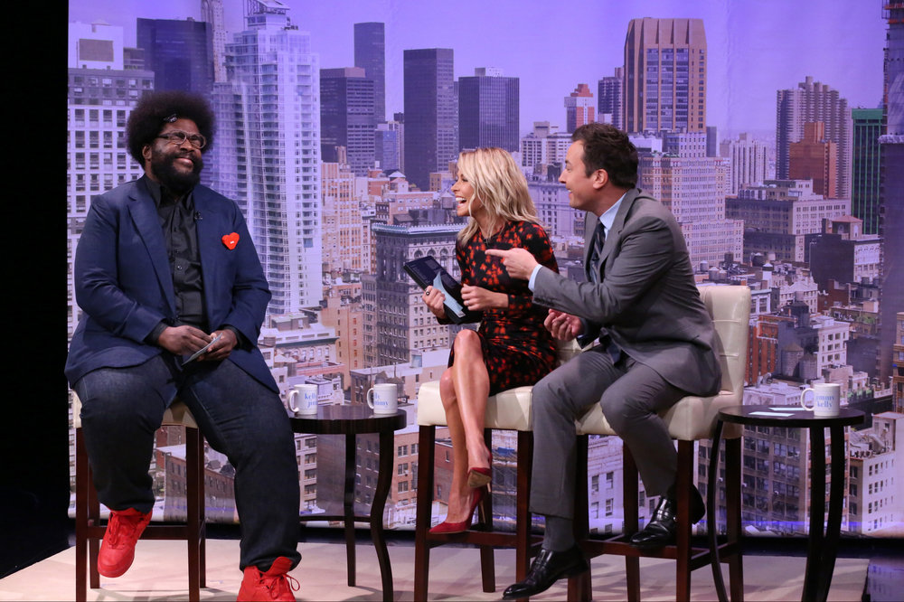 """THE TONIGHT SHOW STARRING JIMMY FALLON -- Episode 0538 -- Pictured: (l-r) Musician Ahmir """"Questlove"""" Thompson, actress Kelly Ripa, and host Jimmy Fallon during the """"Live with Kelly Audition"""" sketch on September 21, 2016 -- (Photo by: Andrew Lipovsky/NBC)"""