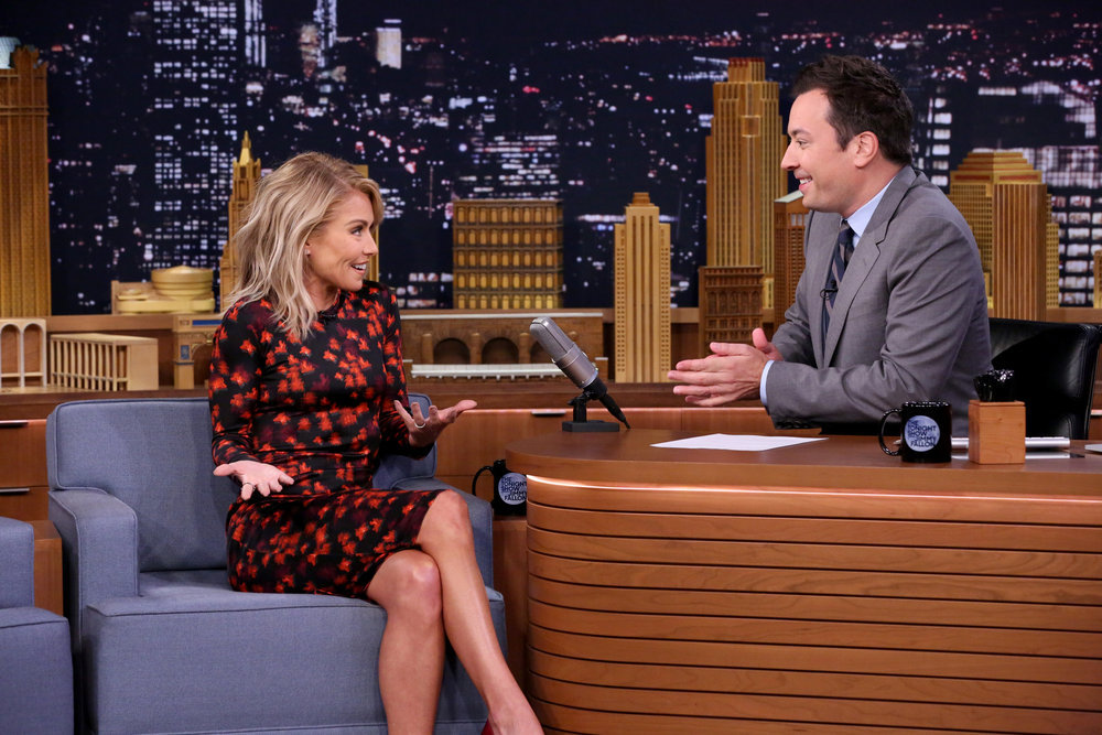 THE TONIGHT SHOW STARRING JIMMY FALLON -- Episode 0538 -- Pictured: (l-r) Actress Kelly Ripa during an interview with host Jimmy Fallon on September 21, 2016 -- (Photo by: Andrew Lipovsky/NBC)