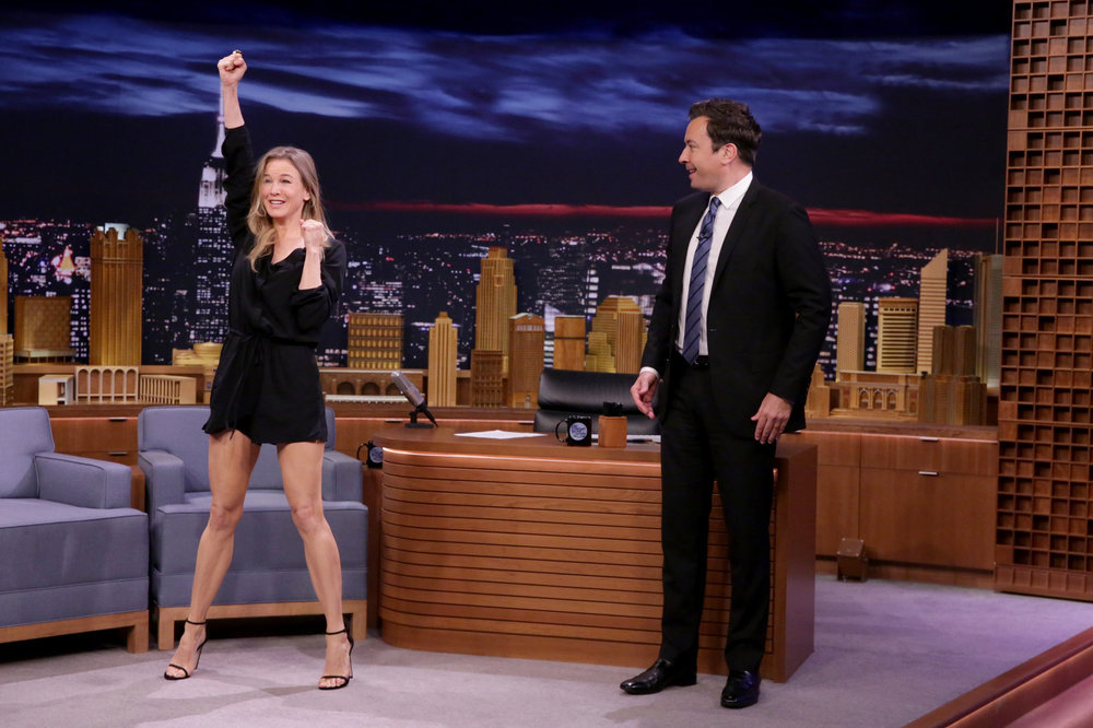 THE TONIGHT SHOW STARRING JIMMY FALLON -- Episode 0531 -- Pictured: (l-r) Actress Renée Zellweger during an interview with host Jimmy Fallon on September 12, 2016 -- (Photo by: Andrew Lipovsky/NBC)