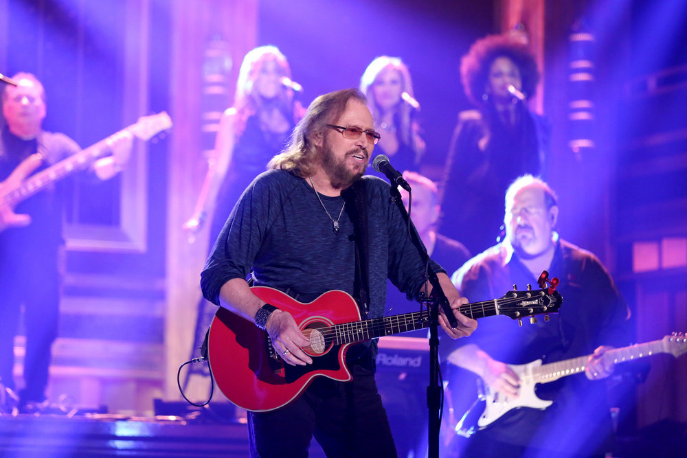 THE TONIGHT SHOW STARRING JIMMY FALLON -- Episode 0553 -- Pictured: Musical guest Barry Gibb performs on October 12, 2016 -- (Photo by: Andrew Lipovsky/NBC)