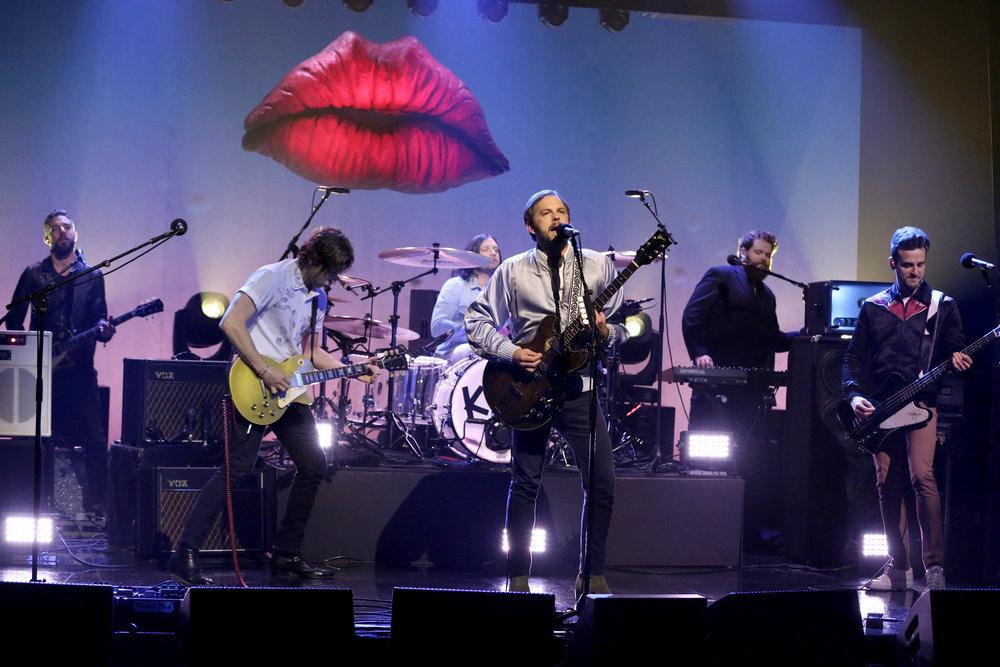 THE TONIGHT SHOW STARRING JIMMY FALLON -- Episode 0555 -- Pictured: (l-r) Matthew Followill, Nathan Followill, Caleb Followill and Jared Followill of musical guest Kings of Leon perform on October 14, 2016 -- (Photo by: Andrew Lipovsky/NBC)