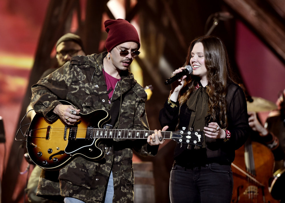 """2016 LATIN AMERICAN MUSIC AWARDS -- """"Rehearsal"""" -- Pictured: (l-r) Jesse Huerta and Joy Huerta of Jesse y Joy rehearse for the 2016 Latin American Music Awards at the Dolby Theater in Los Angeles, CA on October 3, 2016 -- (Photo by: Alberto Rodriguez/Telemundo/NBCU Photo Bank via Getty Images)"""