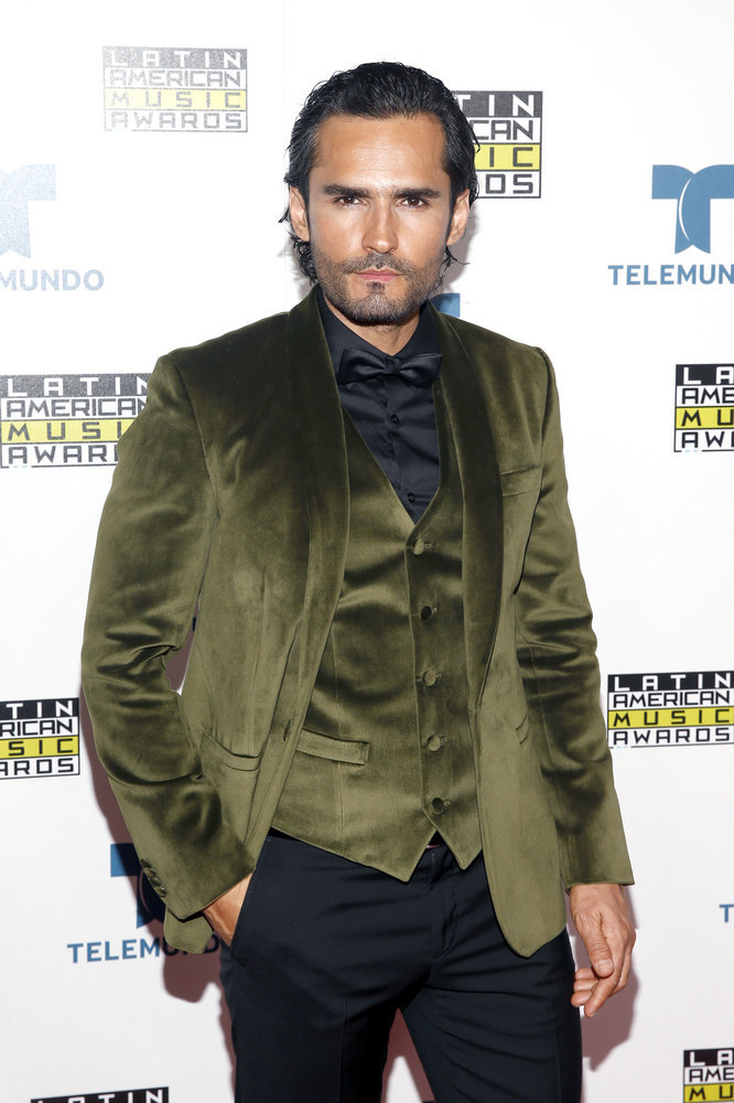 """2016 LATIN AMERICAN MUSIC AWARDS -- """"Press Room"""" -- Pictured: Actor Fabian Rios poses backstage at the 2016 Latin American Music Awards at the Dolby Theater in Los Angeles, CA on October 6, 2016 -- (Photo by: Jesse Grant/Telemundo)"""
