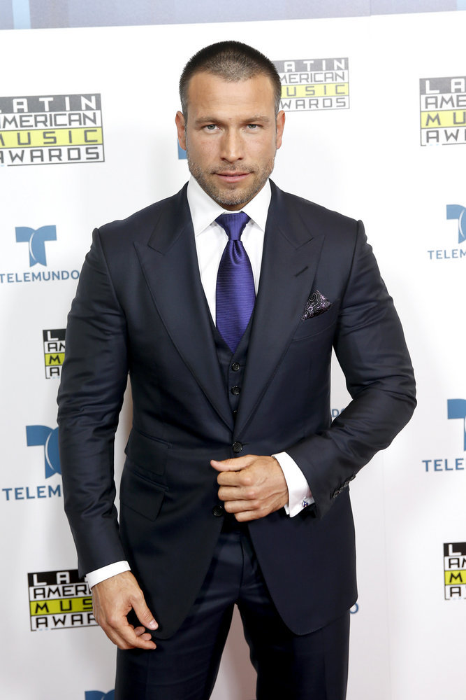 """2016 LATIN AMERICAN MUSIC AWARDS -- """"Press Room"""" -- Pictured: Actor Rafael Amaya poses backstage at the 2016 Latin American Music Awards at the Dolby Theater in Los Angeles, CA on October 6, 2016 -- (Photo by: Jesse Grant/Telemundo)"""