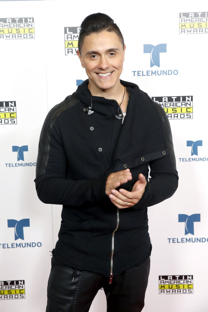 """2016 LATIN AMERICAN MUSIC AWARDS -- """"Press Room"""" -- Pictured: Recording artist Joey Montana poses backstage at the 2016 Latin American Music Awards at the Dolby Theater in Los Angeles, CA on October 6, 2016 -- (Photo by: Jesse Grant/Telemundo)"""