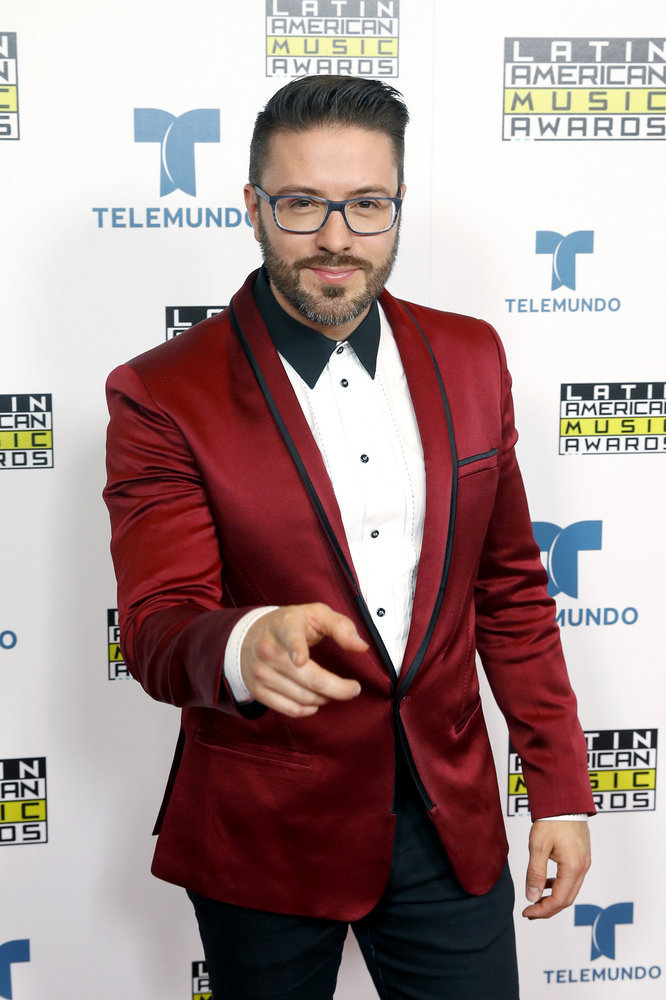 """2016 LATIN AMERICAN MUSIC AWARDS -- """"Press Room"""" -- Pictured: Recording artist Danny Gokey poses backstage at the 2016 Latin American Music Awards at the Dolby Theater in Los Angeles, CA on October 6, 2016 -- (Photo by: Jesse Grant/Telemundo)"""