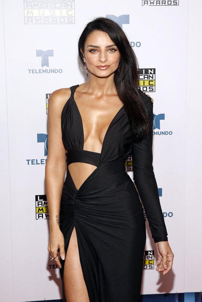 """2016 LATIN AMERICAN MUSIC AWARDS -- """"Press Room"""" -- Pictured: Actress Aislinn Derbez poses backstage at the 2016 Latin American Music Awards at the Dolby Theater in Los Angeles, CA on October 6, 2016 -- (Photo by: Jesse Grant/Telemundo)"""