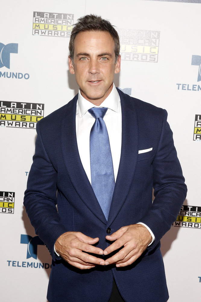 """2016 LATIN AMERICAN MUSIC AWARDS -- """"Press Room"""" -- Pictured: Actor Carlos Ponce poses backstage at the 2016 Latin American Music Awards at the Dolby Theater in Los Angeles, CA on October 6, 2016 -- (Photo by: Jesse Grant/Telemundo)"""
