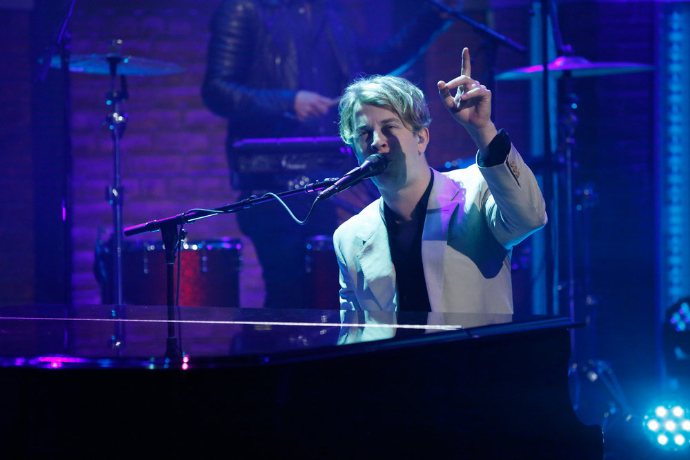 LATE NIGHT WITH SETH MEYERS -- Episode 430 -- Pictured: Musical guest Tom Odell performs on October 4, 2016 -- (Photo by: Lloyd Bishop/NBC)