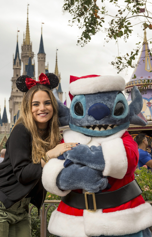 "THE WONDERFUL WORLD OF DISNEY: MAGICAL HOLIDAY CELEBRATION - ""The Wonderful World of Disney: Magical Holiday Celebration"" premieres on THANKSGIVING, THURSDAY, NOVEMBER 24 (8:00-10:00 p.m. EST) on the ABC Television Network and on the ABC app. Join Emmy Award-winners Julianne and Derek Hough as they host the magical two-hour special from the Walt Disney World Resort. They join ""Descendants 2"" star Sofia Carson to kick off the holiday season in a way only Disney can, showcasing extraordinary music performances, special appearances and some unforgettable Disney magic moments. (DISNEY/Kent Phillips) JOJO, STITCH"