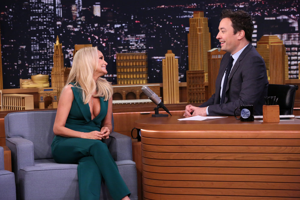 THE TONIGHT SHOW STARRING JIMMY FALLON -- Episode 0575 -- Pictured: (l-r) Actress Kristin Chenoweth during an interview with host Jimmy Fallon on November 21, 2016 -- (Photo by: Andrew Lipovsky/NBC)