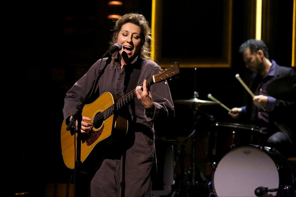 THE TONIGHT SHOW STARRING JIMMY FALLON -- Episode 0567 -- Pictured: Musical guest Martha Wainwright performs on November 9, 2016 -- (Photo by: Andrew Lipovsky/NBC)