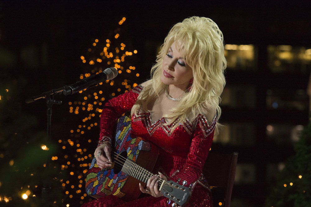 CHRISTMAS IN ROCKEFELLER CENTER 2016-- Pictured: Dolly Parton rehearses for the 2016 Christmas in Rockefeller Center -- (Photo by: Virginia Sherwood/NBC)