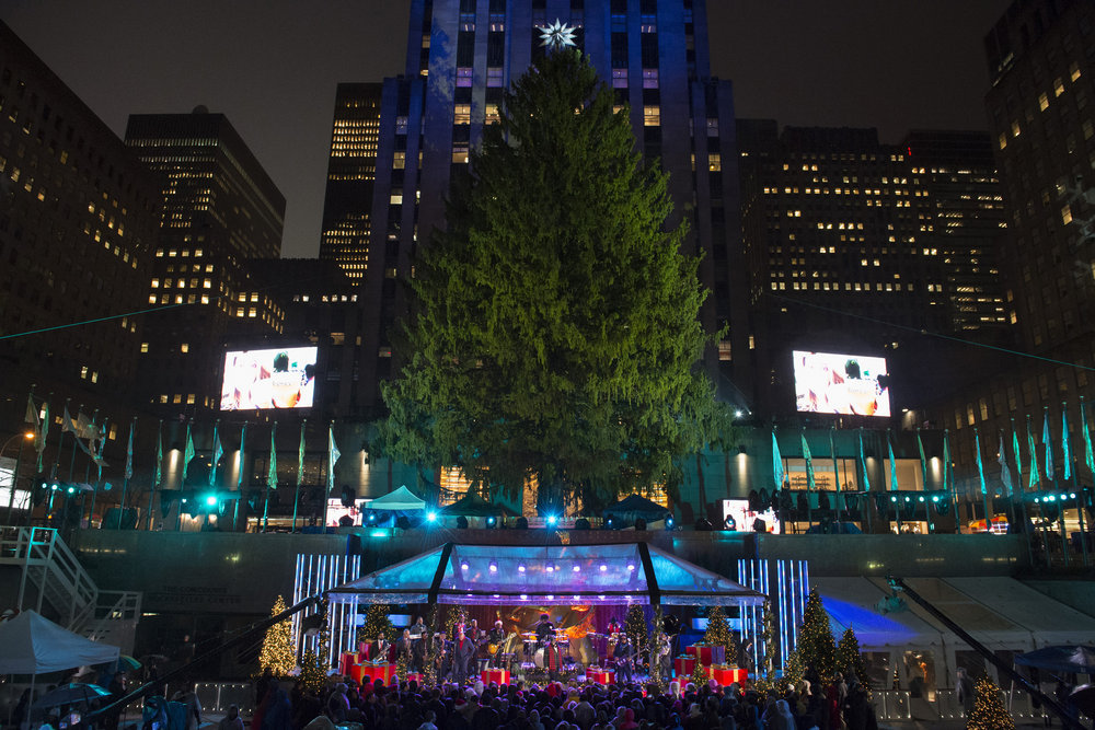 CHRISTMAS IN ROCKEFELLER CENTER -- Pictured: The Roots rehearse for the 2016 Christmas in Rockefeller Center -- (Photo by: Virginia Sherwood/NBC)