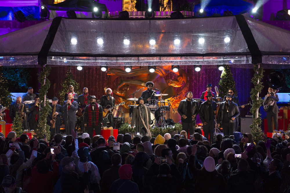 CHRISTMAS IN ROCKEFELLER CENTER -- Pictured: The Roots with Anthony Hamilton rehearse for the 2016 Christmas in Rockefeller Center -- (Photo by: Virginia Sherwood/NBC)
