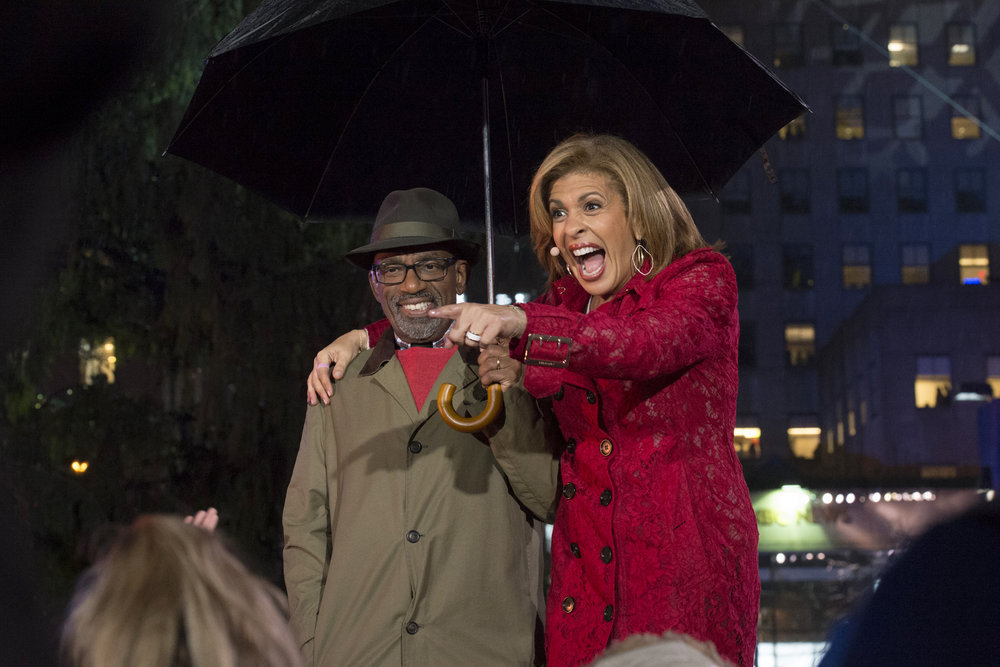 CHRISTMAS IN ROCKEFELLER CENTER 2016-- Pictured: (l-r) Al Roker and Hoda Kotb during the 2016 Christmas in Rockefeller Center -- (Photo by: Virginia Sherwood/NBC)