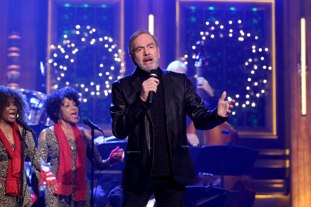 THE TONIGHT SHOW STARRING JIMMY FALLON -- Episode 0580 -- Pictured: Musical guest Neil Diamond performs on November 29, 2016 -- (Photo by: Andrew Lipovsky/NBC)