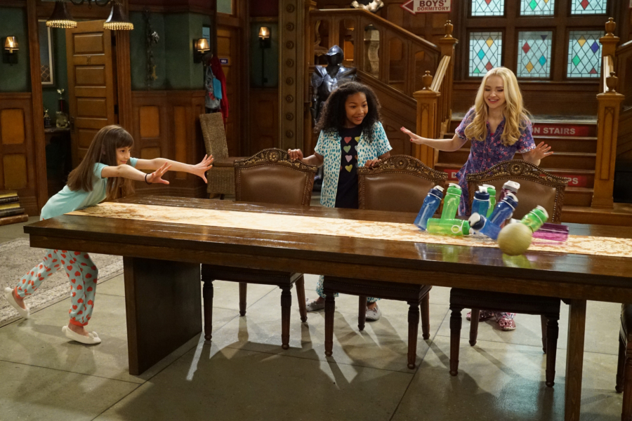 """LIV AND MADDIE - """"Slumber Party-A-Rooney"""" - Liv throws a sleepover to help Ruby and her co-star Priya become better friends. Meanwhile, Joey meets a new nemesis and Parker reveals a big surprise to Maddie. This episode of """"Liv and Maddie: Cali Style"""" airs Friday, November 25 (9:00 - 9:30 P.M. EST) on Disney Channel. (Disney Channel/Ron Tom) LAUREN LINDSEY DONZIS, LAYA DELEON HAYES, DOVE CAMERON"""