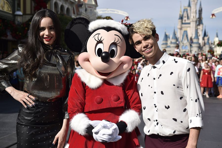 """DISNEY CHANNEL – Talent from Disney Channel were at the Walt Disney World Resort in Orlando, Florida during the taping for """"Disney Parks Presents: A Descendants Magical Holiday Celebration"""" that will air Friday, November 25 on Disney Channel. (Disney Channel/Mark Ashman) SOFIA CARSON, MINNIE MOUSE, CAMERON BOYCE"""