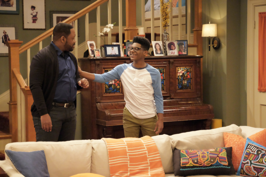"""K.C. UNDERCOVER - """"Trust No One"""" - When K.C.'s latest mission is compromised, she is tasked to find the mole in The Organization. This episode of """"K.C. Undercover"""" airs Sunday, November 13 (8:00 - 8:30 P.M. EST) on Disney Channel. (Disney Channel/Tony Rivetti) KADEEM HARDISON, KAMIL MCFADDEN"""