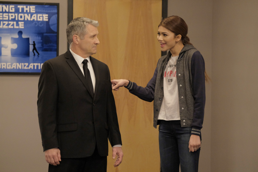 """K.C. UNDERCOVER - """"Trust No One"""" - When K.C.'s latest mission is compromised, she is tasked to find the mole in The Organization. This episode of """"K.C. Undercover"""" airs Sunday, November 13 (8:00 - 8:30 P.M. EST) on Disney Channel. (Disney Channel/Tony Rivetti) RICK HALL, ZENDAYA"""