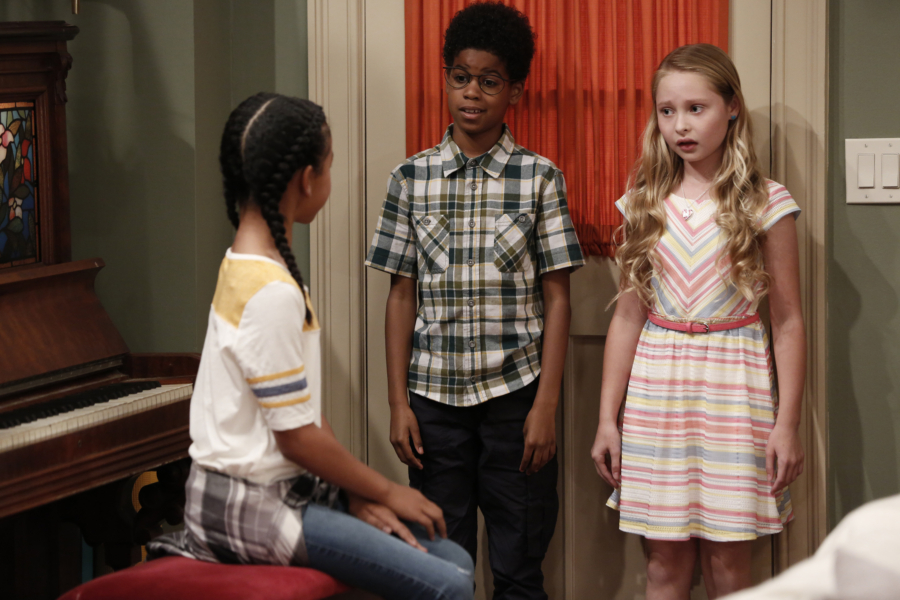 """K.C. UNDERCOVER - """"Undercover Mother"""" - When Scholastic Achievement Quarterly tries to interview K.C. for being the smartest student in her school, she disguises herself as her mom so she can be featured and hide her identity as a spy. This episode of """"K.C. Undercover"""" airs Sunday, November 06 (8:00 - 8:30 P.M. EST) on Disney Channel. (Disney Channel/Tyler Golden) JD MCCRARY, SIBYL GREGORY"""