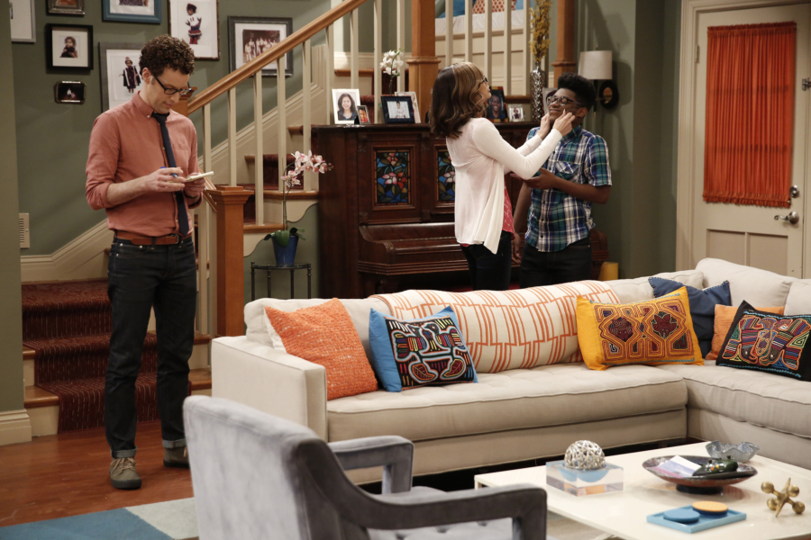 """K.C. UNDERCOVER - """"Undercover Mother"""" - When Scholastic Achievement Quarterly tries to interview K.C. for being the smartest student in her school, she disguises herself as her mom so she can be featured and hide her identity as a spy. This episode of """"K.C. Undercover"""" airs Sunday, November 06 (8:00 - 8:30 P.M. EST) on Disney Channel. (Disney Channel/Tyler Golden) NOAH WEISBERG, ZENDAYA, KAMIL MCFADDEN"""