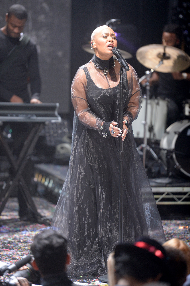 DICK CLARK'S NEW YEAR'S ROCKIN' EVE WITH RYAN SEACREST 2017 - America's biggest celebration of the year takes place on SATURDAY, DECEMBER 31, beginning at 8 p.m. EST, on the ABC Television Network. (ABC/Matt Brown) EMELI SANDE