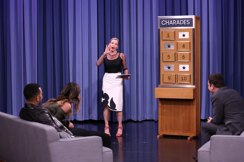 THE TONIGHT SHOW STARRING JIMMY FALLON -- Episode 0583 -- Pictured: (l-r) Musician John Legend, model Chrissy Teigen, Comedian Chelsea Handler, and host Jimmy Fallon play Charades on December 02, 2016 -- (Photo by: Andrew Lipovsky/NBC)
