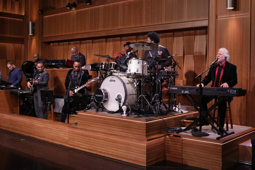THE TONIGHT SHOW STARRING JIMMY FALLON -- Episode 0583 -- Pictured: (l-r) The Roots perform with sit-in keyboardist Chuck Leavell on December 02, 2016 -- (Photo by: Andrew Lipovsky/NBC)