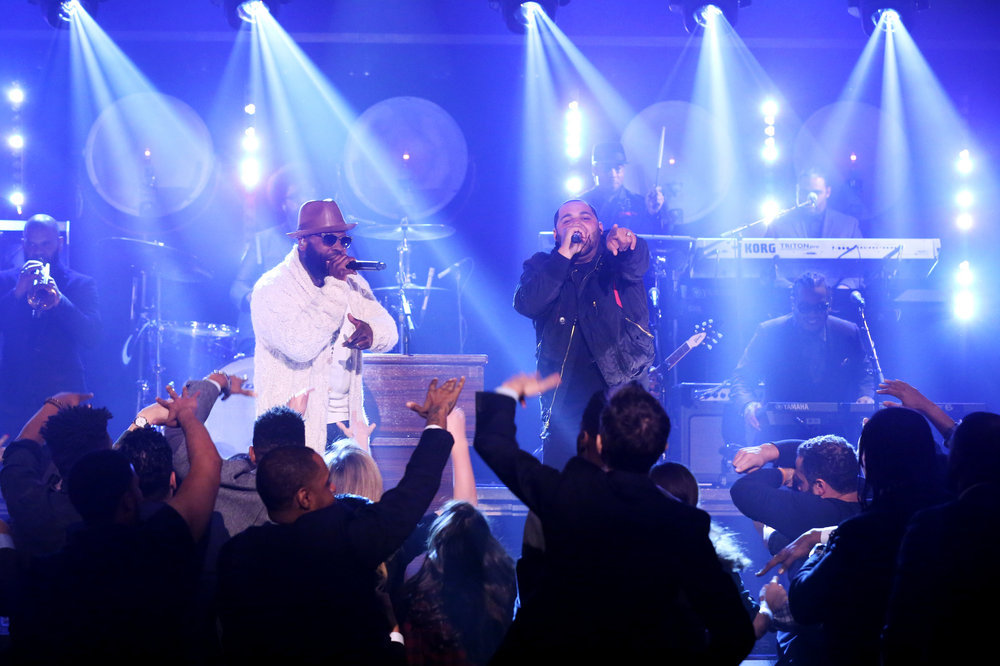 "THE TONIGHT SHOW STARRING JIMMY FALLON -- Episode 0584 -- Pictured: (l-r) Rappers Tariq ""Black Thought"" Trotter and Joell Ortiz perform a piece from ""The Hamilton Mixtape"" on December 05, 2016 -- (Photo by: Andrew Lipovsky/NBC)"