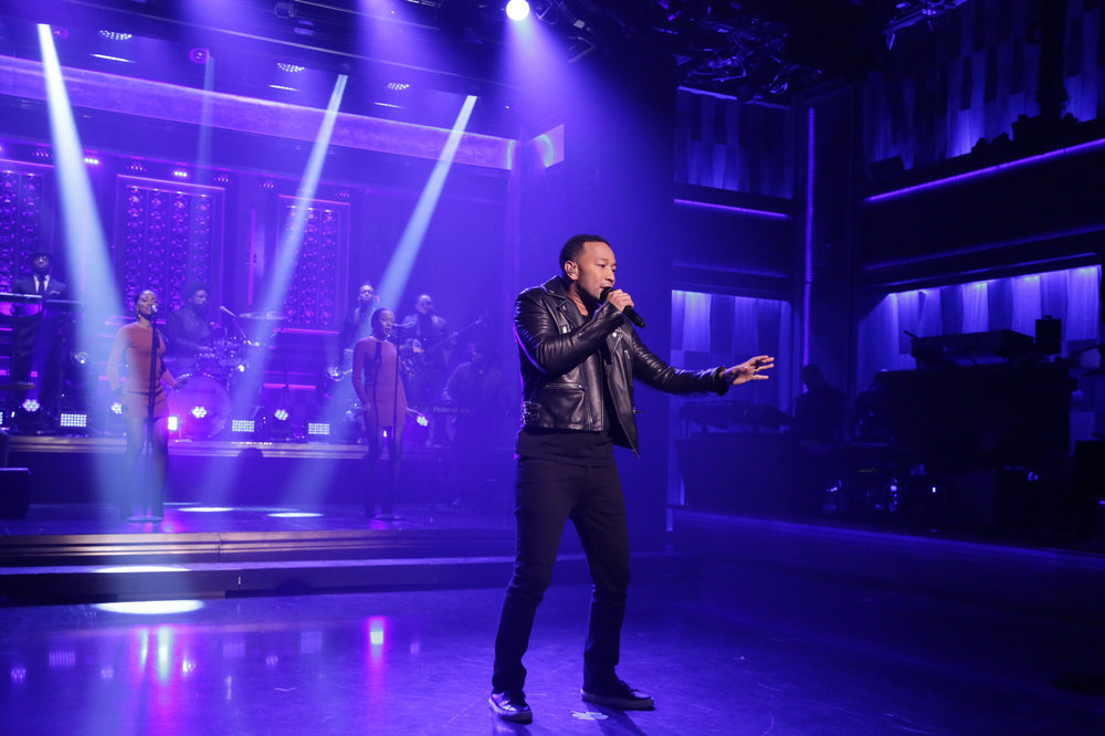 THE TONIGHT SHOW STARRING JIMMY FALLON -- Episode 0583 -- Pictured: (l-r) Musical guest John Legend performs with The Roots on December 02, 2016 -- (Photo by: Andrew Lipovsky/NBC)