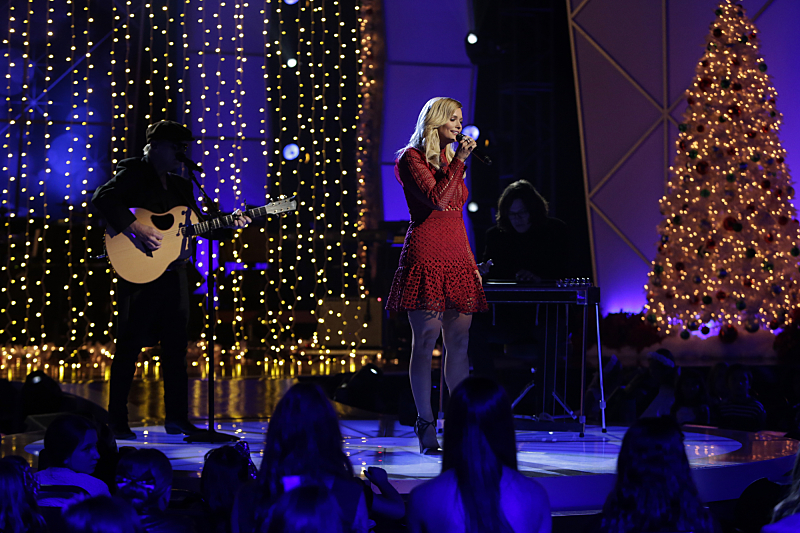Miranda Lambert on The 18th Annual A HOME FOR THE HOLIDAYS,  an entertainment special celebrating families to be broadcast Friday, Dec. 23 (8:00-9:00 PM, ET/PT) on the CBS Television Network.   Photo: Sonja Flemming/CBS  ©2016 CBS Broadcasting, Inc. All Rights Reserved