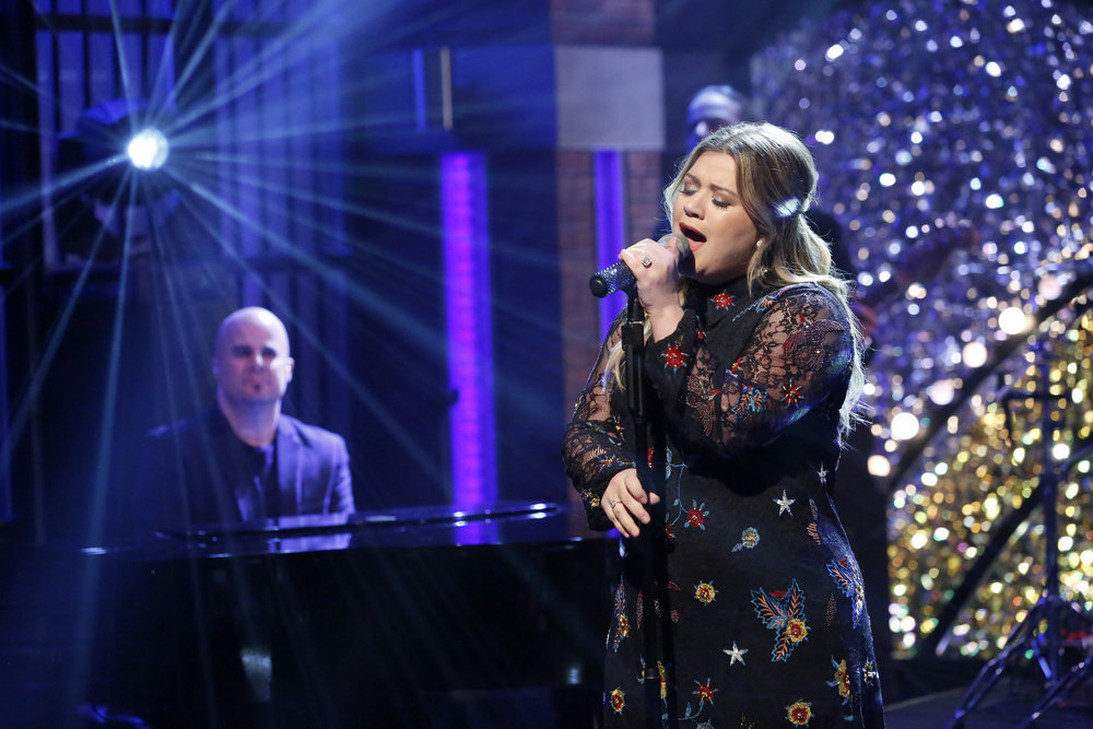 "LATE NIGHT WITH SETH MEYERS -- ""New Year's Eve Special"" -- Pictured: Musical guest Kelly Clarkson performs during the ""Late Night with Seth Meyers New Year's Eve Special"", airing on December 31, 2016 -- (Photo by: Lloyd Bishop/NBC)"