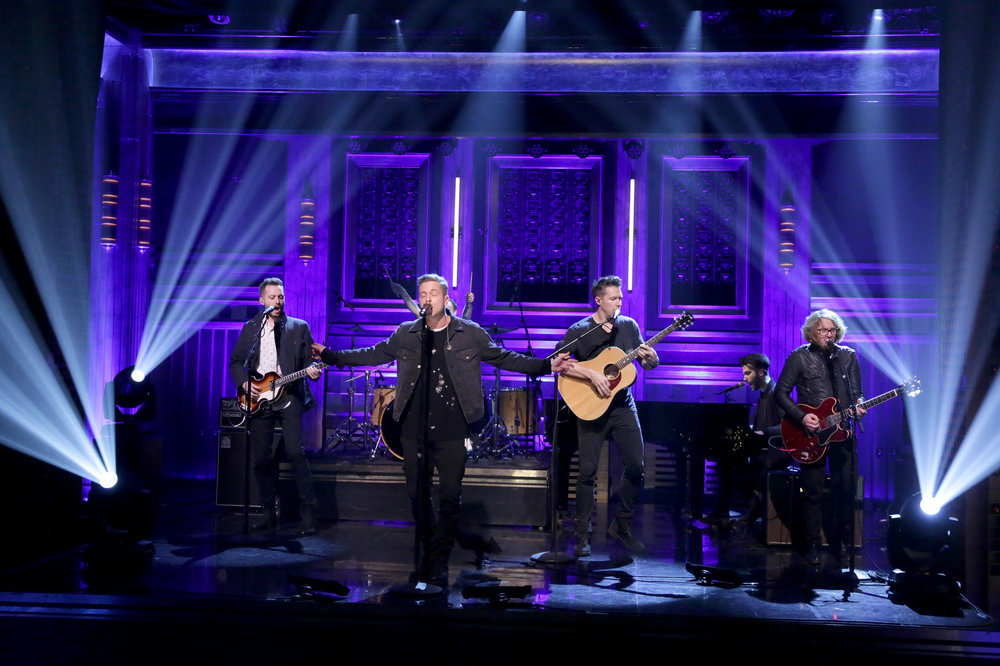 THE TONIGHT SHOW STARRING JIMMY FALLON -- Episode 0589 -- Pictured: (l-r) Brent Kutzle, Ryan Tedder, Zachary Filkins, Brian Willett, and Andrew Brown of musical guest OneRepublic perform on December 12, 2016 -- (Photo by: Andrew Lipovsky/NBC)