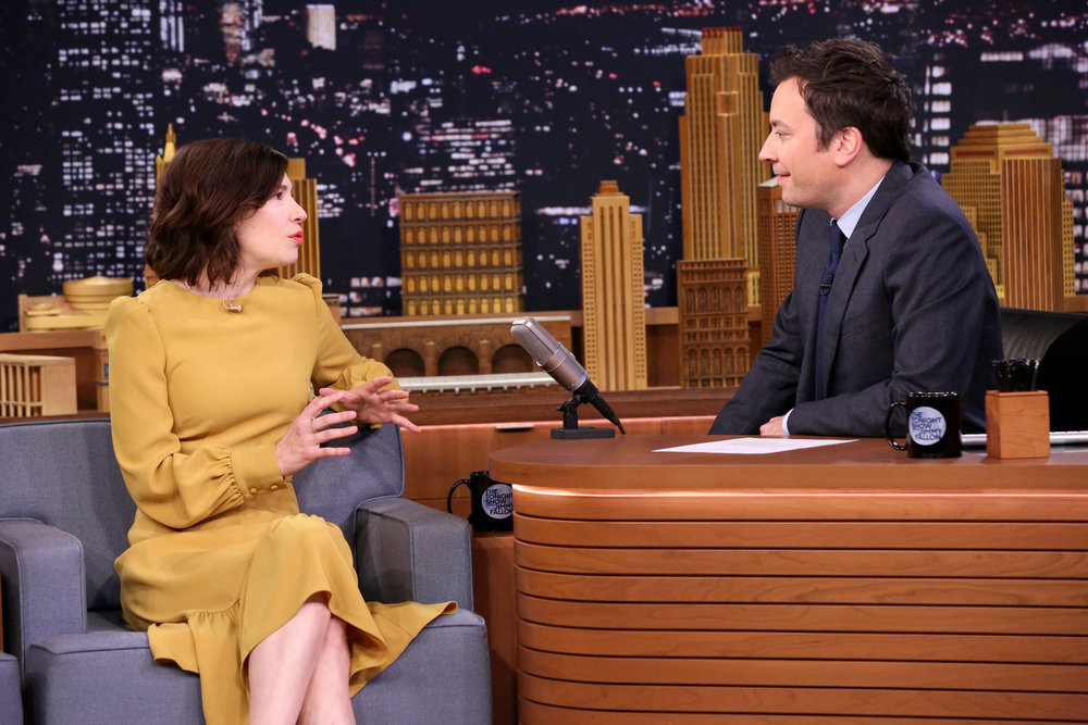 THE TONIGHT SHOW STARRING JIMMY FALLON -- Episode 0606 -- Pictured: (l-r) Actress Carrie Brownstein during an interview with host Jimmy Fallon on January 19, 2017 -- (Photo by: Andrew Lipovsky/NBC)