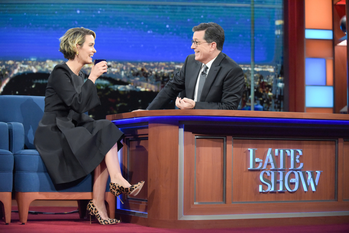 The Late Show with Stephen Colbert and guest Sarah Paulson during Monday's 01/16/17 show in New York. Photo: Scott Kowalchyk/CBS ©2016CBS Broadcasting Inc. All Rights Reserved.