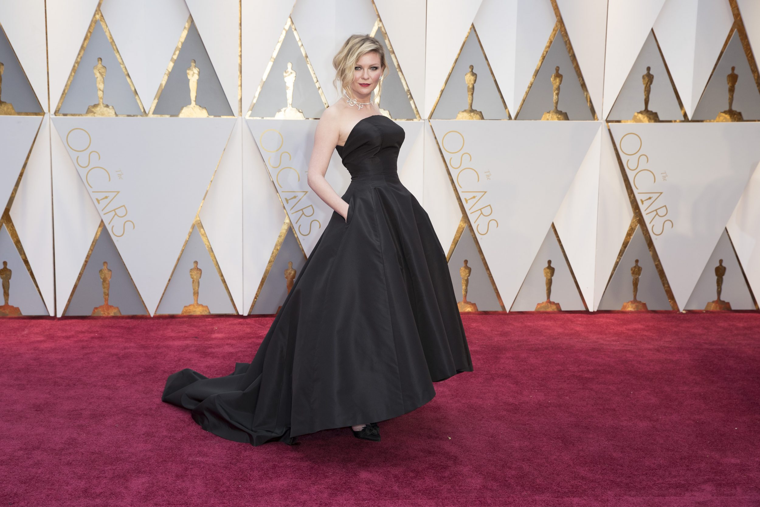 THE OSCARS(r) - The 89th Oscars(r)  broadcasts live on Oscar(r) SUNDAY, FEBRUARY 26, 2017, on the ABC Television Network. (ABC/Tyler Golden) KIRSTEN DUNST