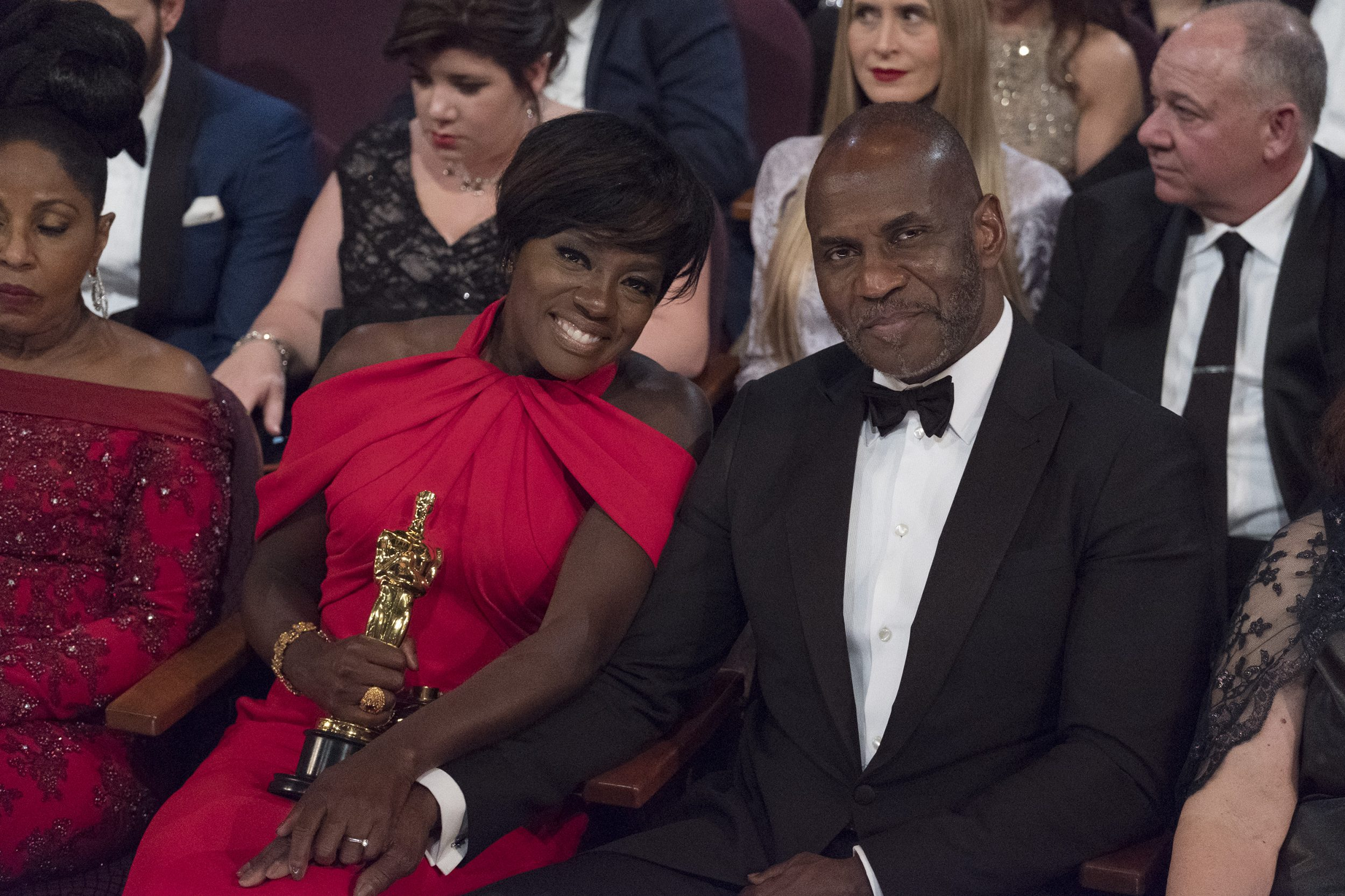 THE OSCARS(r) - The 89th Oscars(r)  broadcasts live on Oscar(r) SUNDAY, FEBRUARY 26, 2017, on the ABC Television Network. (ABC/Adam Rose) VIOLA DAVIS, JULIUS TENNON