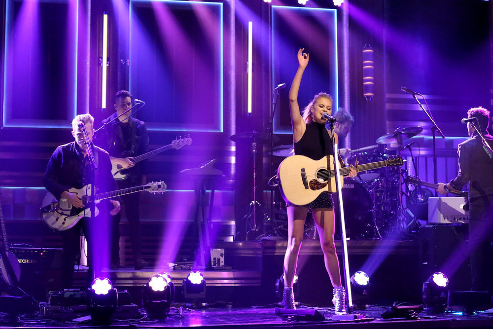 THE TONIGHT SHOW STARRING JIMMY FALLON -- Episode 0618 -- Pictured: Musical guest Kelsea Ballerini performs on February 6, 2017 -- (Photo by: Andrew Lipovsky/NBC)