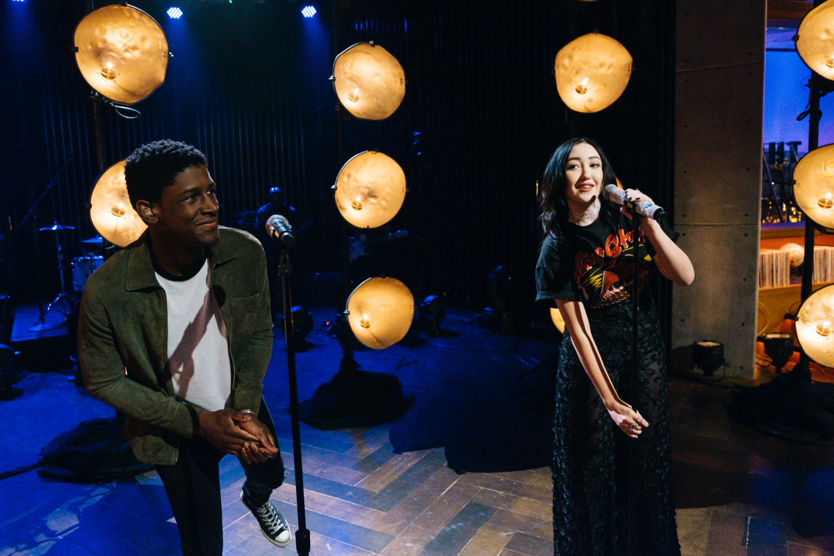 "Noah Cyrus and Labrinth perform during ""The Late Late Show with James Corden,"" Tuesday, February 21, 2017 (12:35 PM-1:37 AM ET/PT) On The CBS Television Network. Photo: Terence Patrick/CBS ©2017 CBS Broadcasting, Inc. All Rights Reserved"