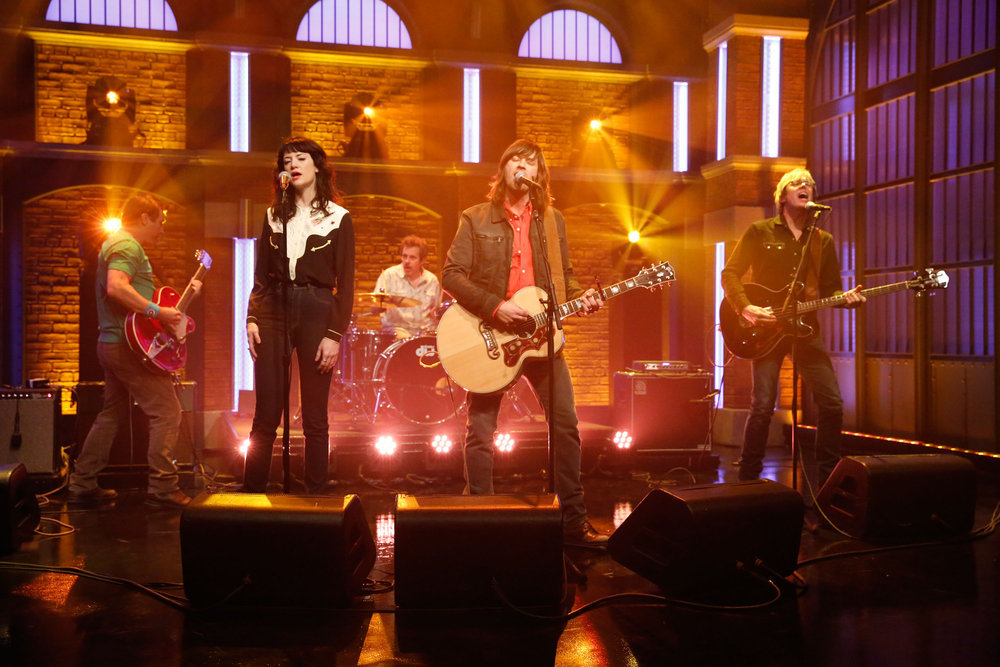LATE NIGHT WITH SETH MEYERS -- Episode 492 -- Pictured: (l-r) Musical guests Ken Bethea, Philip Peeples, Rhett Miller, Murry Hammond of Old 97's perform on February 20, 2017 -- (Photo by: Lloyd Bishop/NBC)