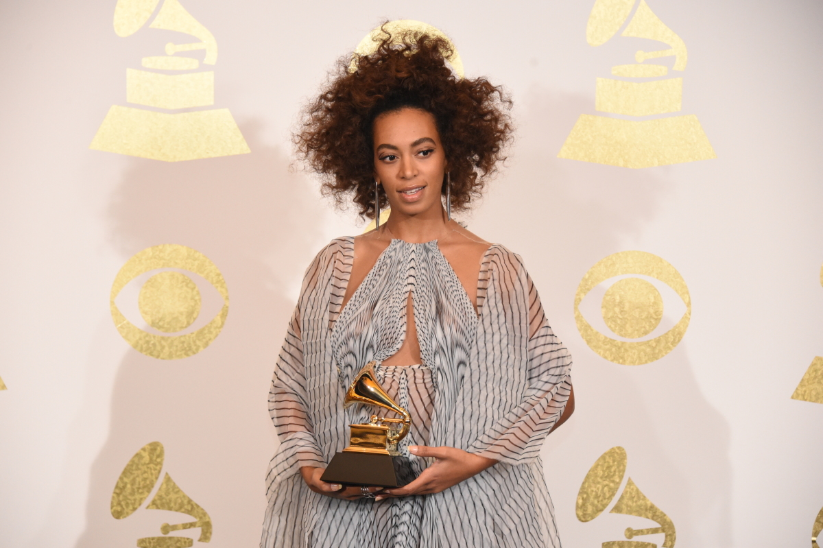 Solange poses for photographs backstage at THE 59TH ANNUAL GRAMMY AWARDS®, broadcast live from the STAPLES Center in Los Angeles, Sunday, Feb. 12 (8:00-11:30 PM, live ET/5:00-8:30 PM, live PT; 6:00-9:30 PM, live MT) on the CBS Television Network. Photo: Phil McCarten/CBS ©2017 CBS Broadcasting, Inc. All Rights Reserved